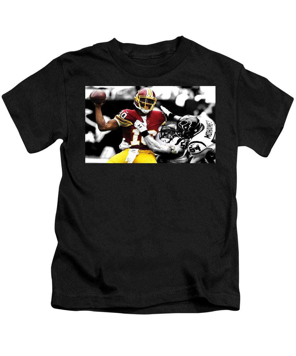 Robert Griffin Kids T-Shirt featuring the digital art Washington Redskins Rg3 by Brian Reaves