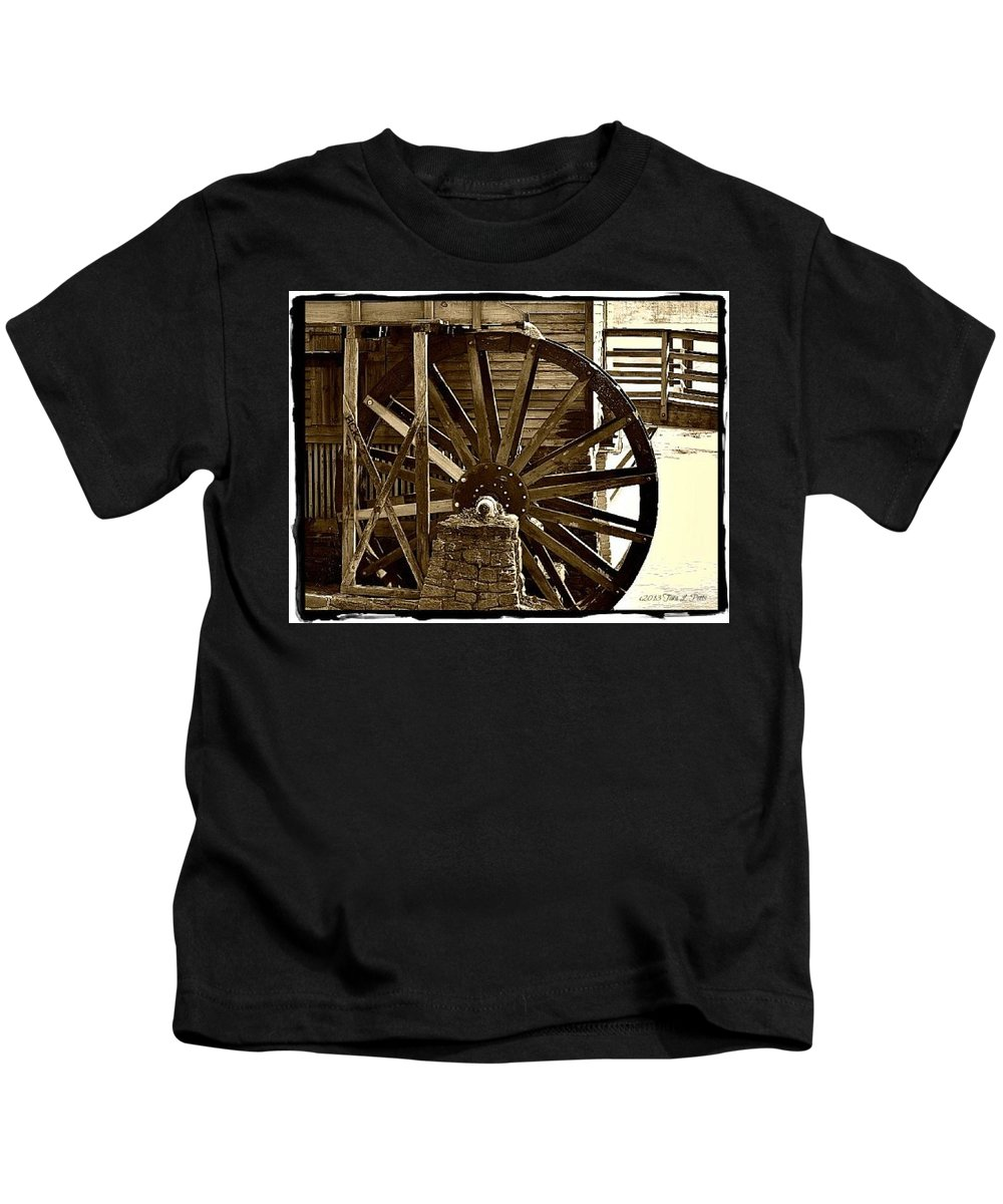 Waterwheel Kids T-Shirt featuring the photograph Water Wheel At The Grist Mill by Tara Potts
