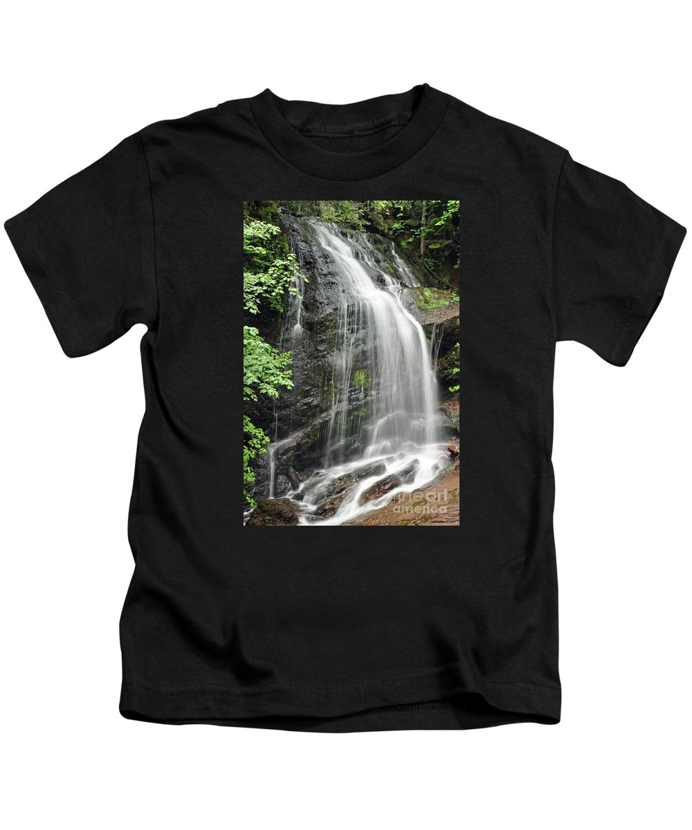 Falls Kids T-Shirt featuring the photograph Waterfall Bay Of Fundy by Glenn Gordon