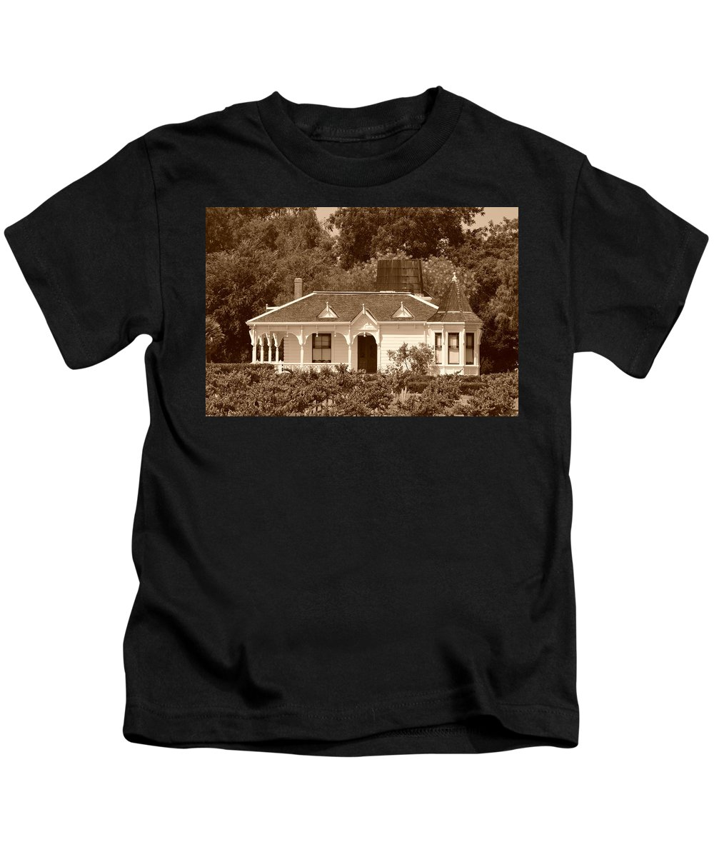 Winery Kids T-Shirt featuring the photograph Winery by Bradley Bennett