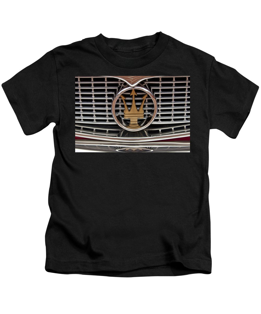 1960 Maserati 3500 Gt Coupe Kids T-Shirt featuring the photograph 1960 Maserati 3500 Gt Coupe Emblem by Jill Reger