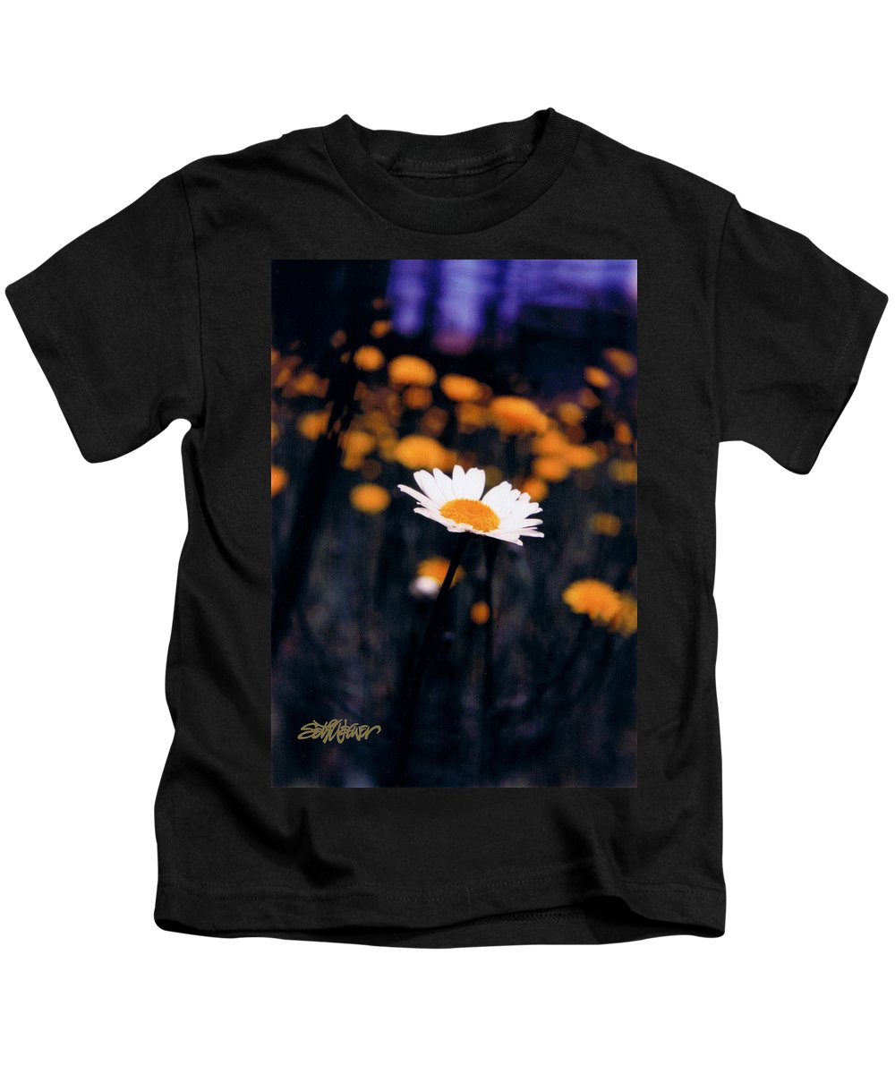 A Daisy Alone Kids T-Shirt featuring the photograph A Daisy Alone by Seth Weaver