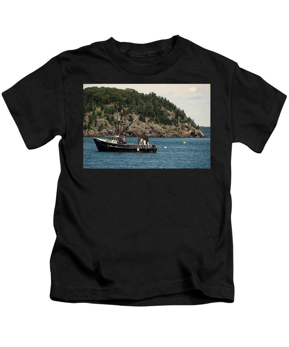 Bar Harbor Kids T-Shirt featuring the photograph Bar Harbor by Jeff Heimlich