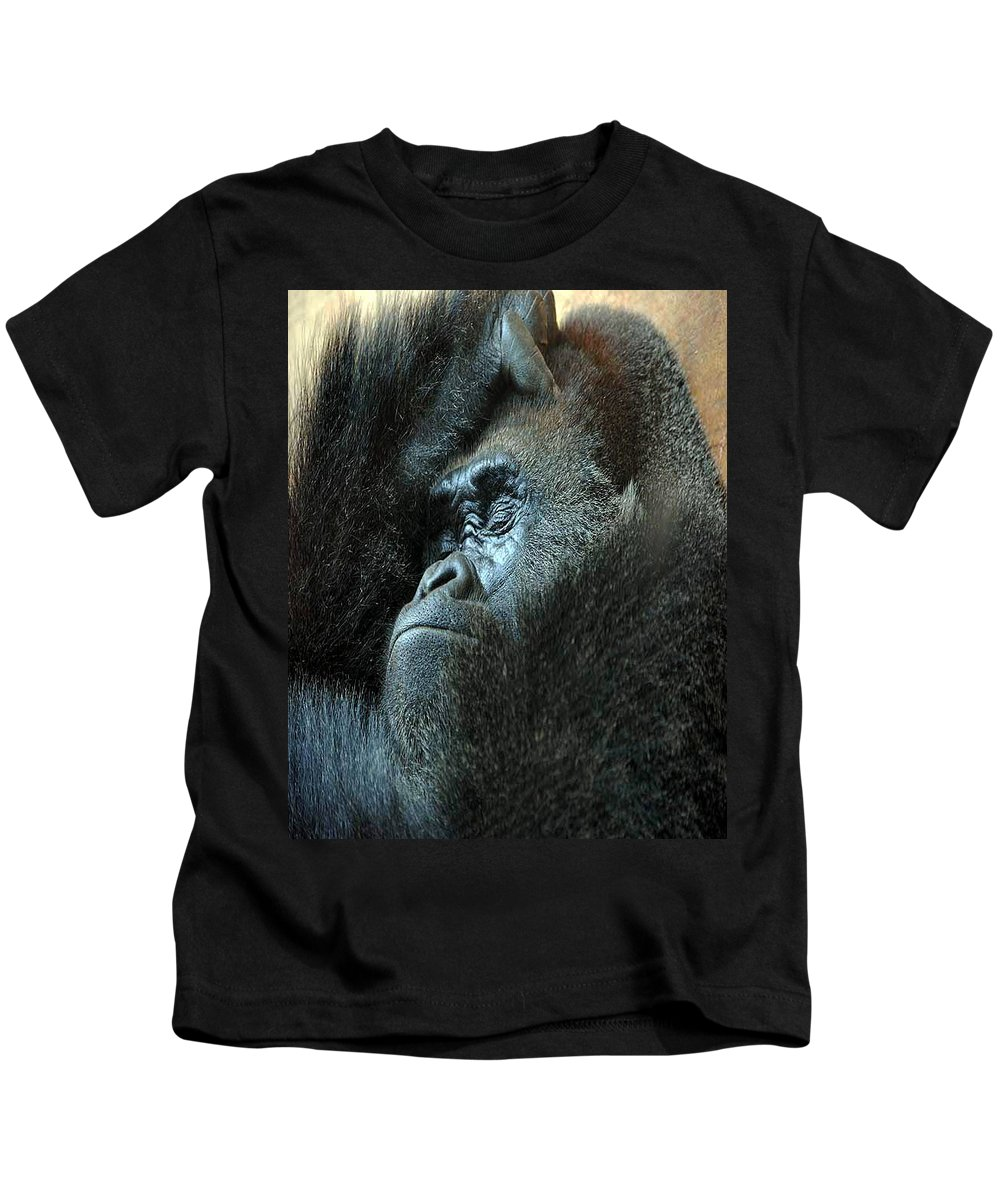 Confidence Kids T-Shirt featuring the photograph Confidence by Skip Willits