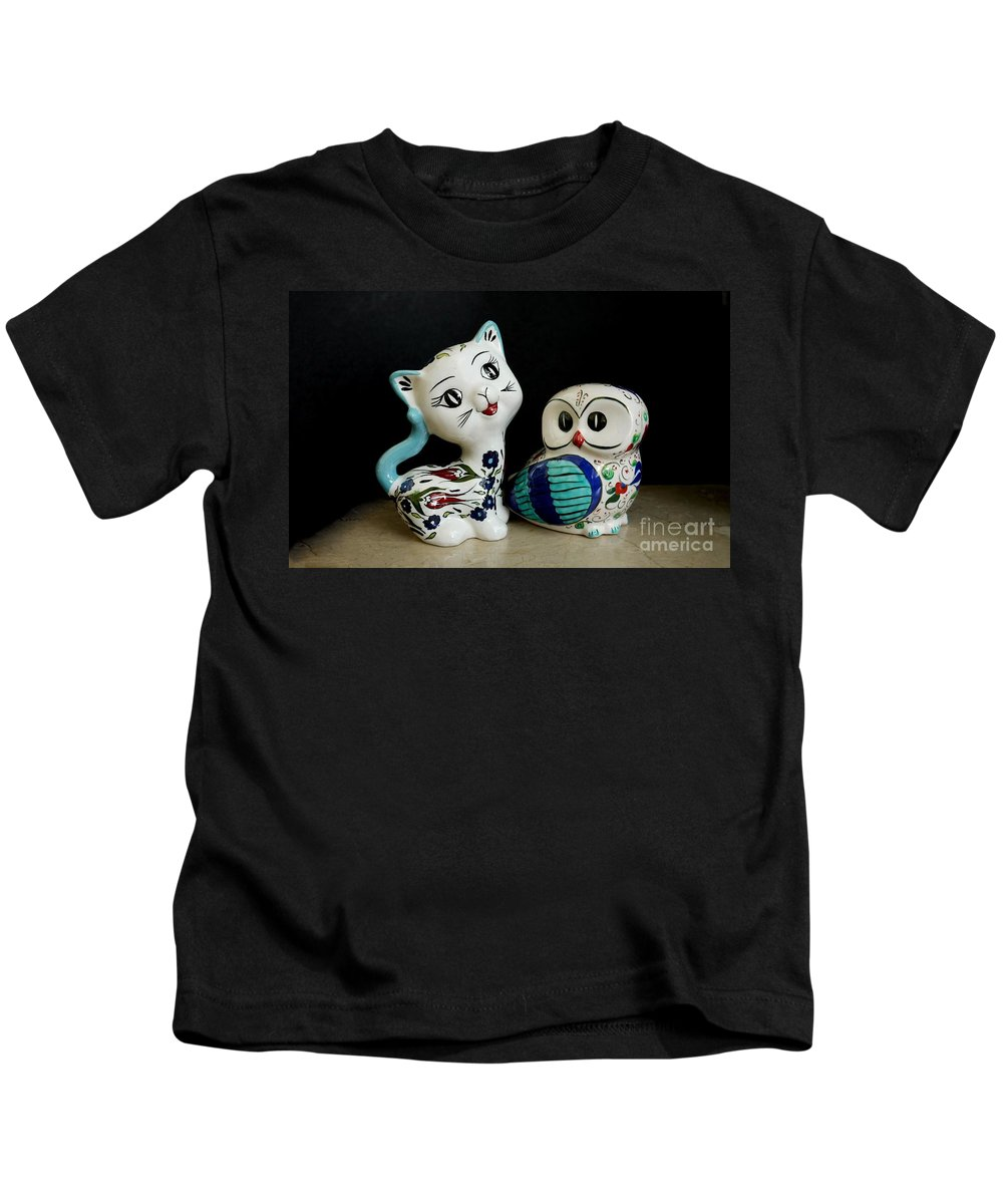 The Owl And The Pussy Cat Kids T-Shirt featuring the photograph The Owl And The Pussy Cat by John Chatterley