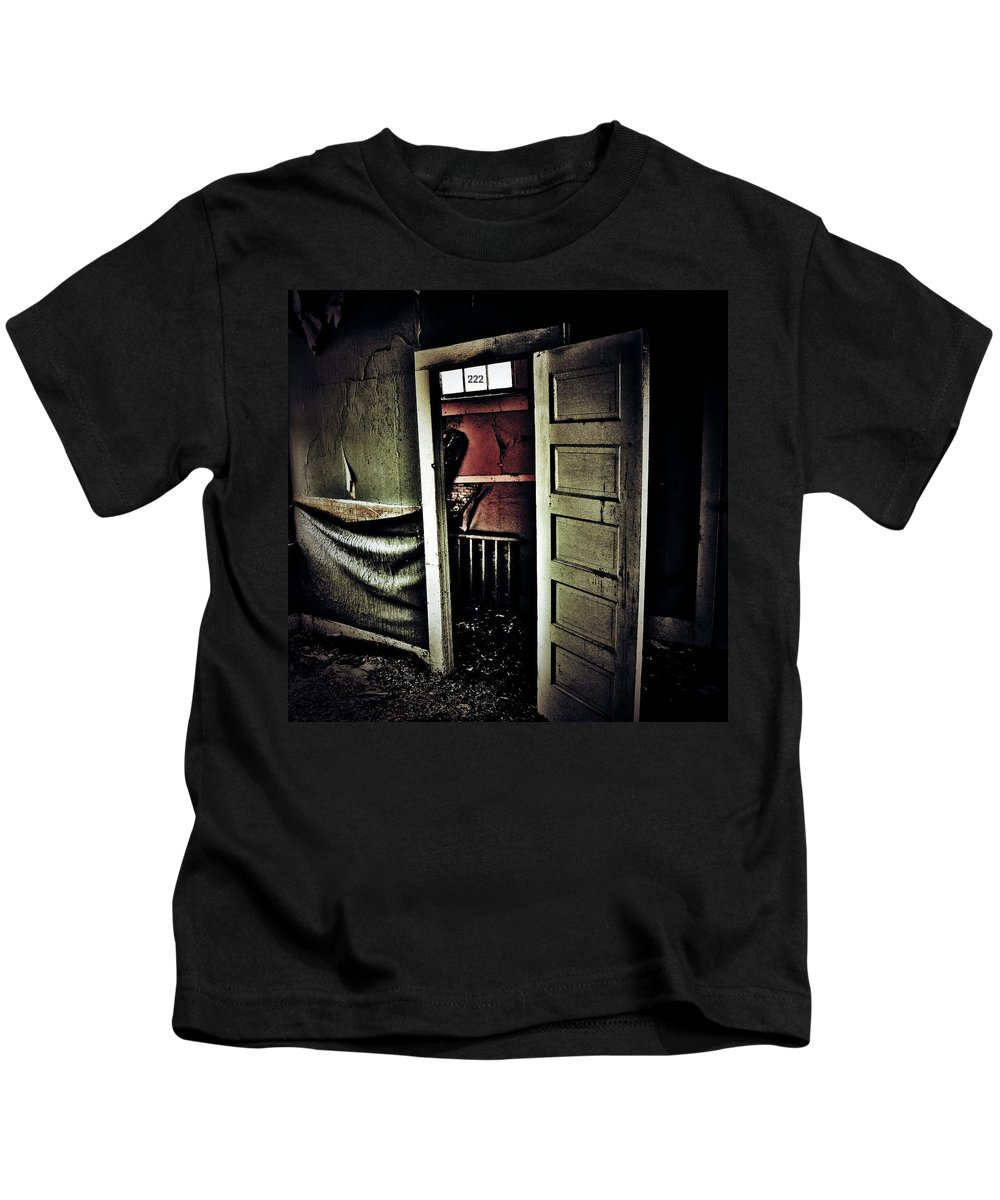 Street Photography Photographs Framed Prints Photographs Framed Prints Kids T-Shirt featuring the photograph Two To Too by The Artist Project