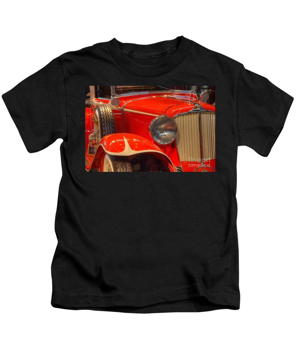 1931 Cord Kids T-Shirt featuring the photograph 1931 Cord Automobile by Bob Christopher