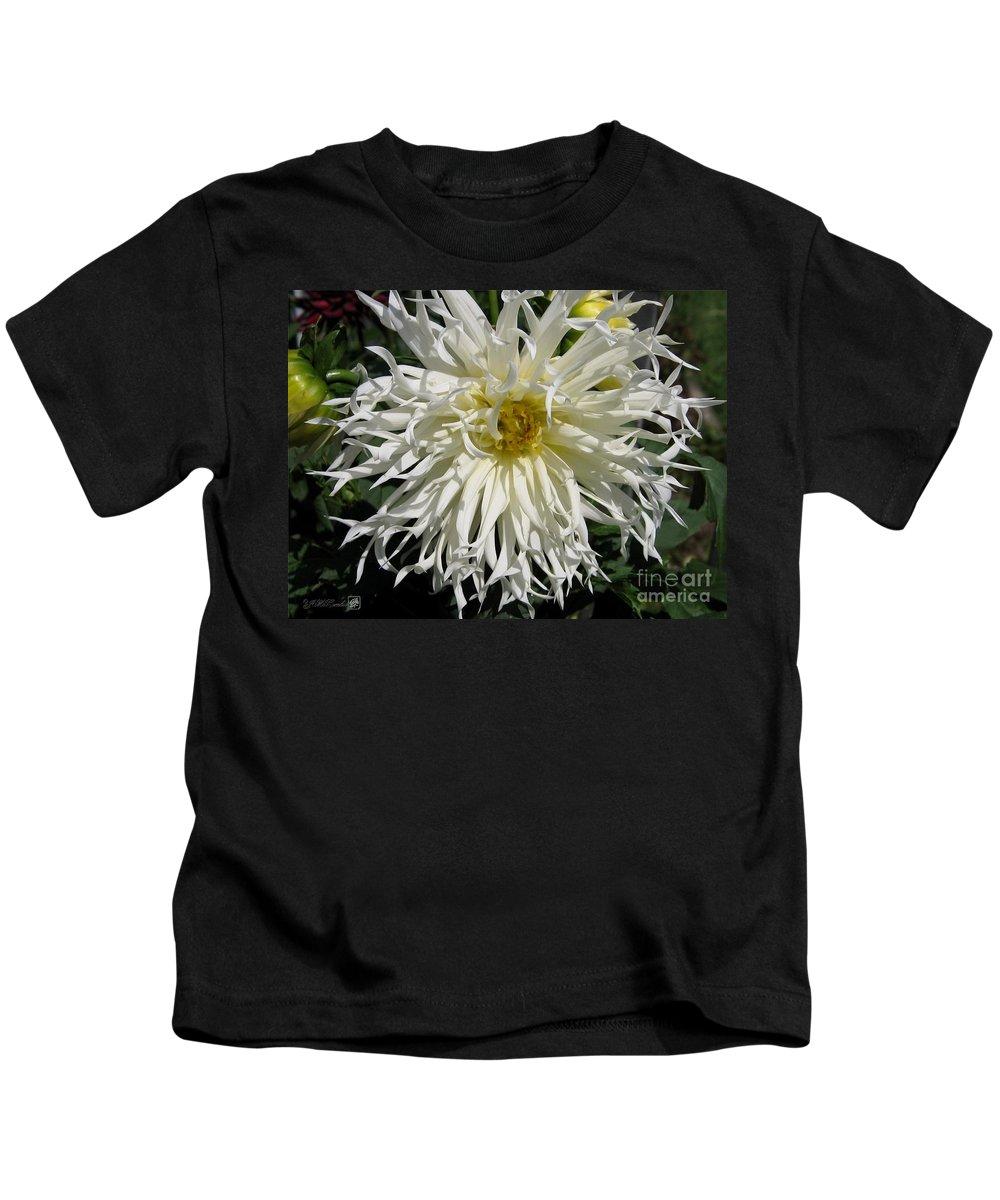 Dahlia Kids T-Shirt featuring the photograph Dahlia Named Tsuki Yori No Shisa by J McCombie