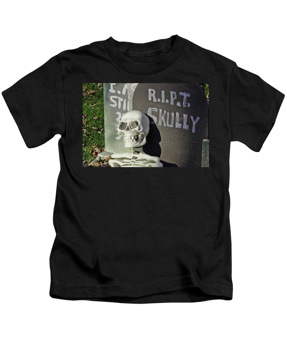 Autumn Kids T-Shirt featuring the photograph Fall Halloween On Tillson Street by LeeAnn McLaneGoetz McLaneGoetzStudioLLCcom