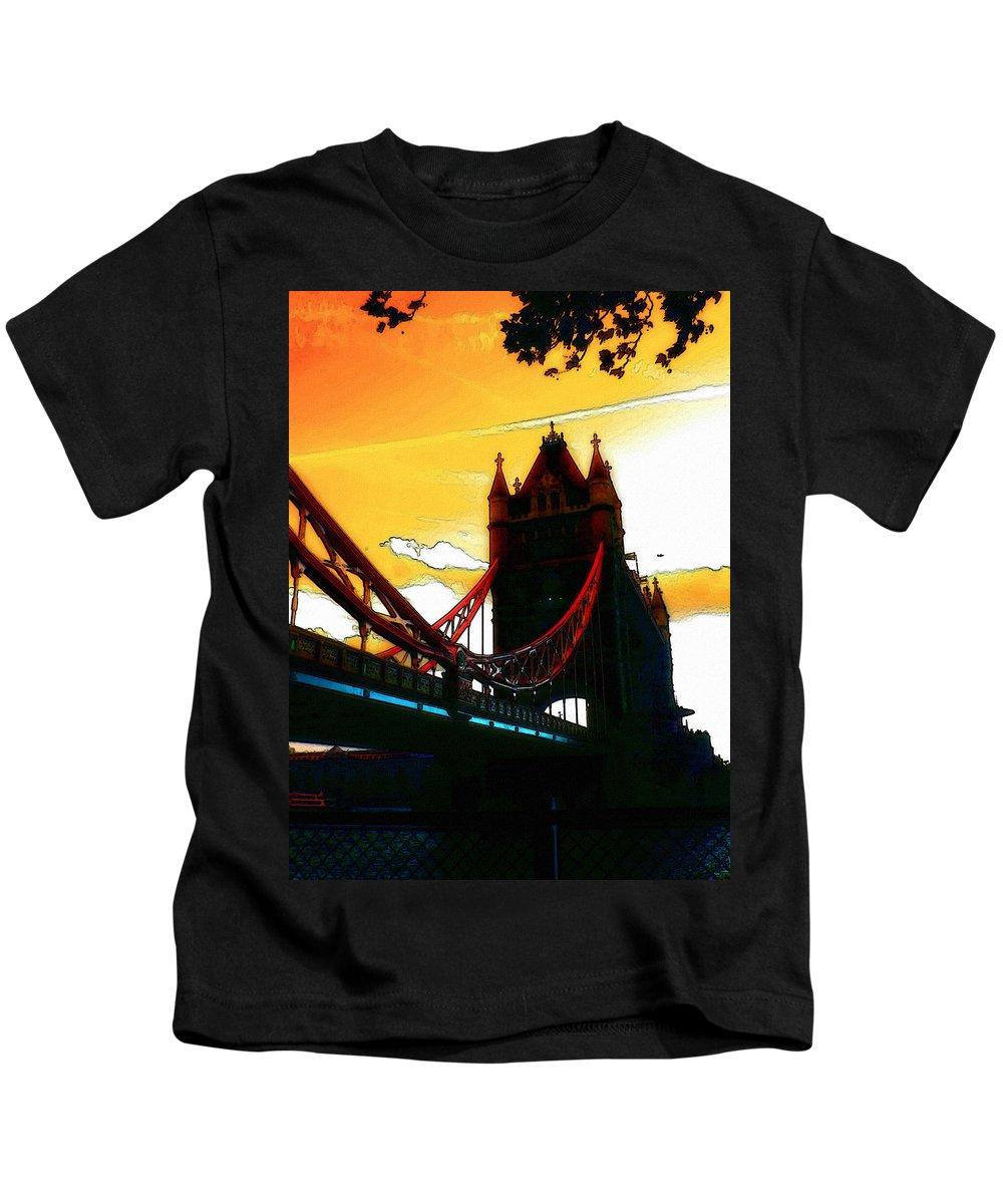 London Tower Bridge United Kingdom Gb Sky Clouds Cloud Bw Black White Kids T-Shirt featuring the digital art Sunset At Tower Brigde by Steve K