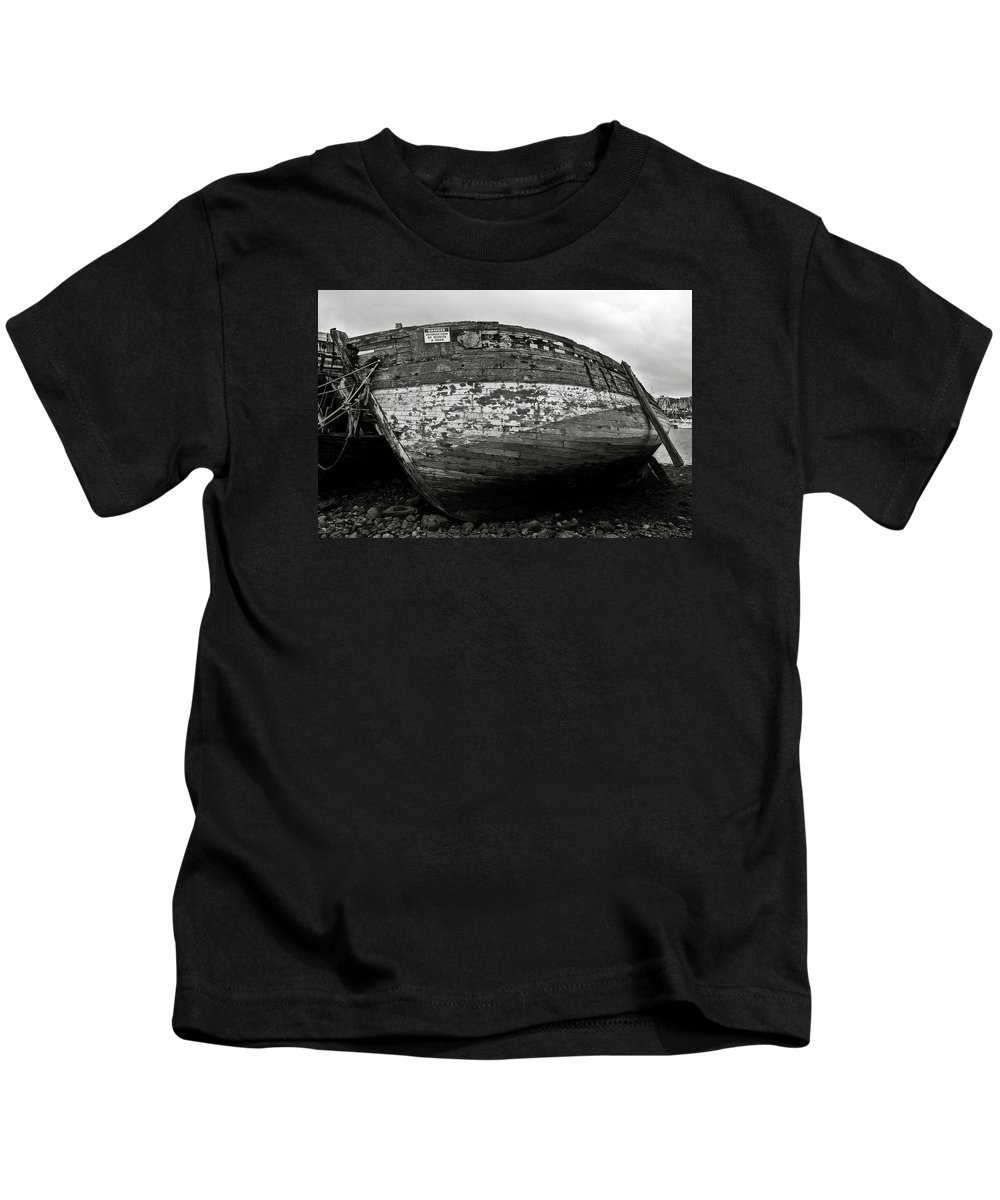 Old Kids T-Shirt featuring the photograph Old Abandoned Ship by RicardMN Photography