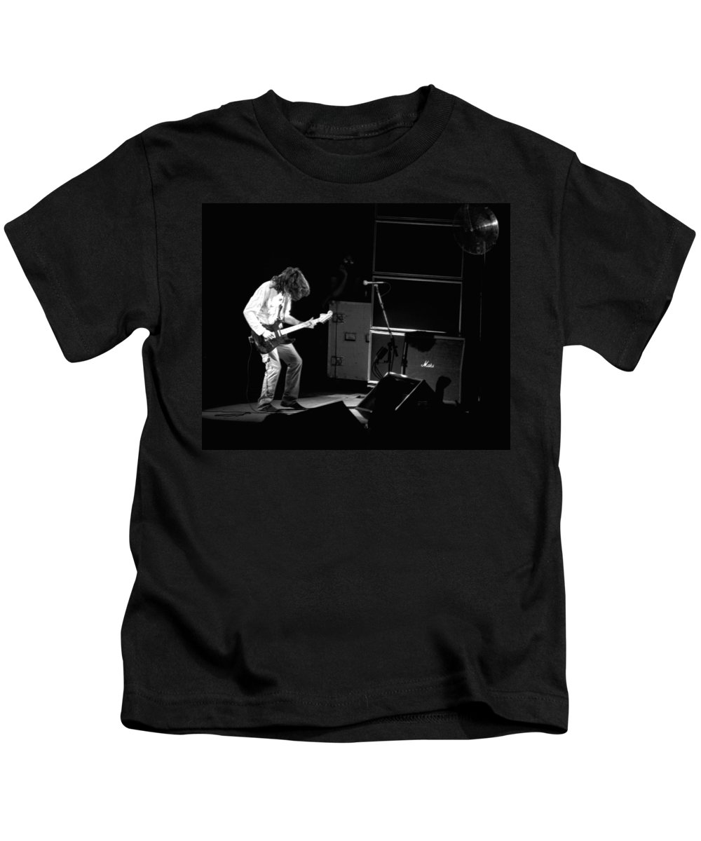 Aerosmith Kids T-Shirt featuring the photograph Aerosmith In Spokane 23 by Ben Upham