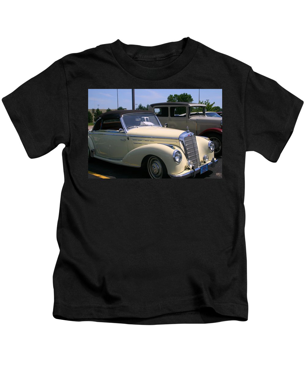 Beautiful.cream Kids T-Shirt featuring the photograph At The Car Show by Kay Novy