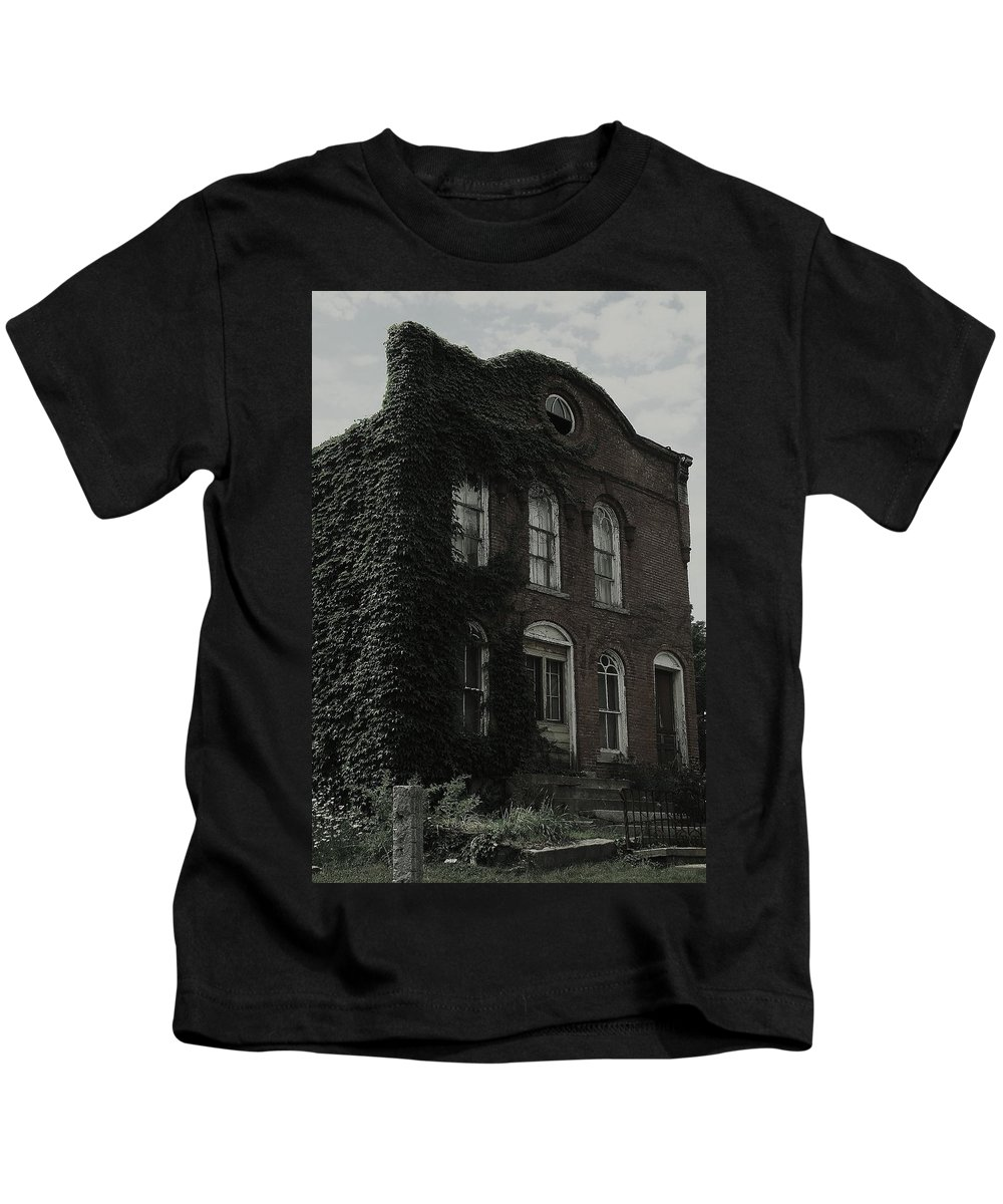 Old Building Kids T-Shirt featuring the photograph Back Hill by Jeff Heimlich