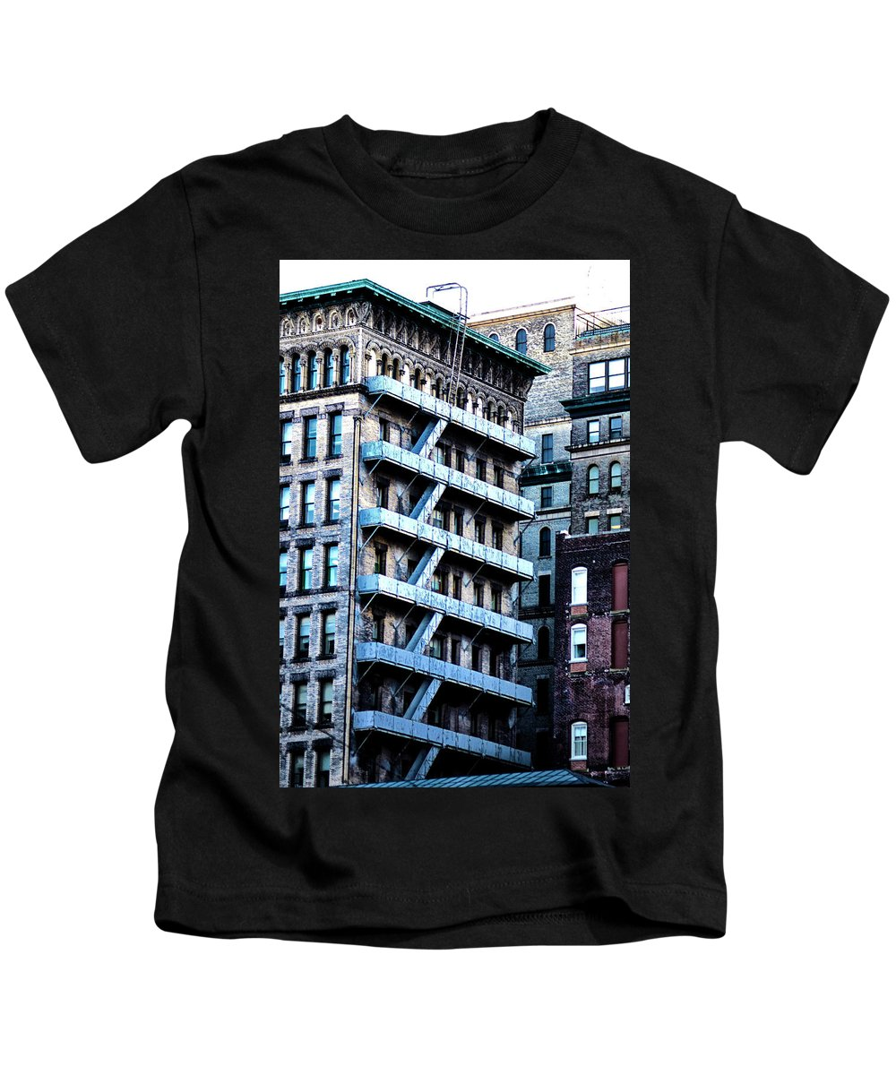 Building Kids T-Shirt featuring the photograph Brownstone by Bill Cannon
