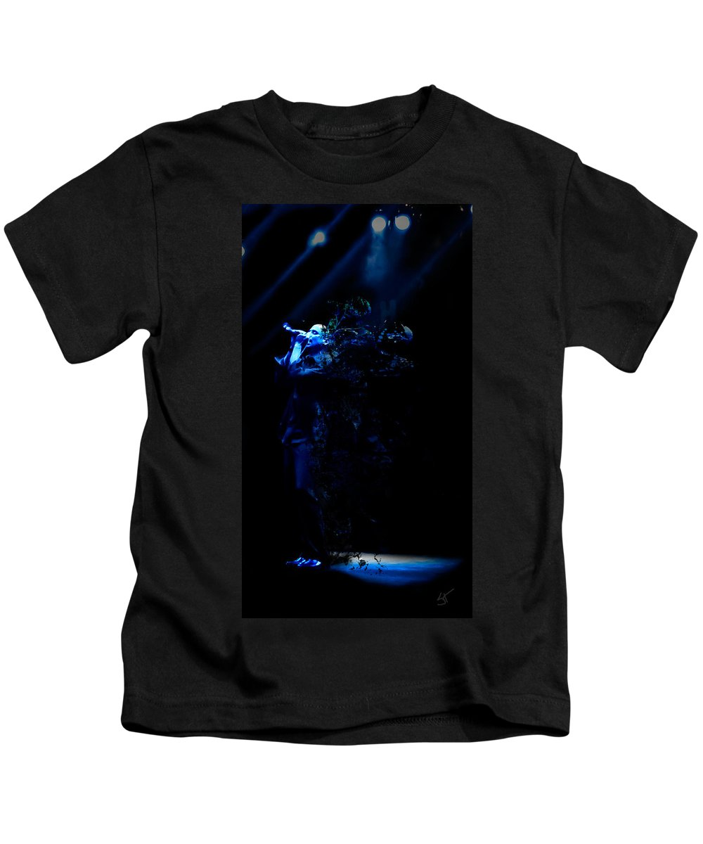 Cold Kids T-Shirt featuring the photograph Cold Disintigration by Stephanie Haertling