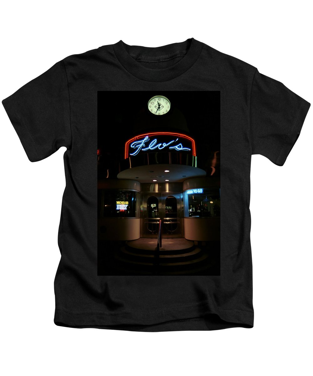 Diner Kids T-Shirt featuring the photograph Diner At Night by Andrew Fare