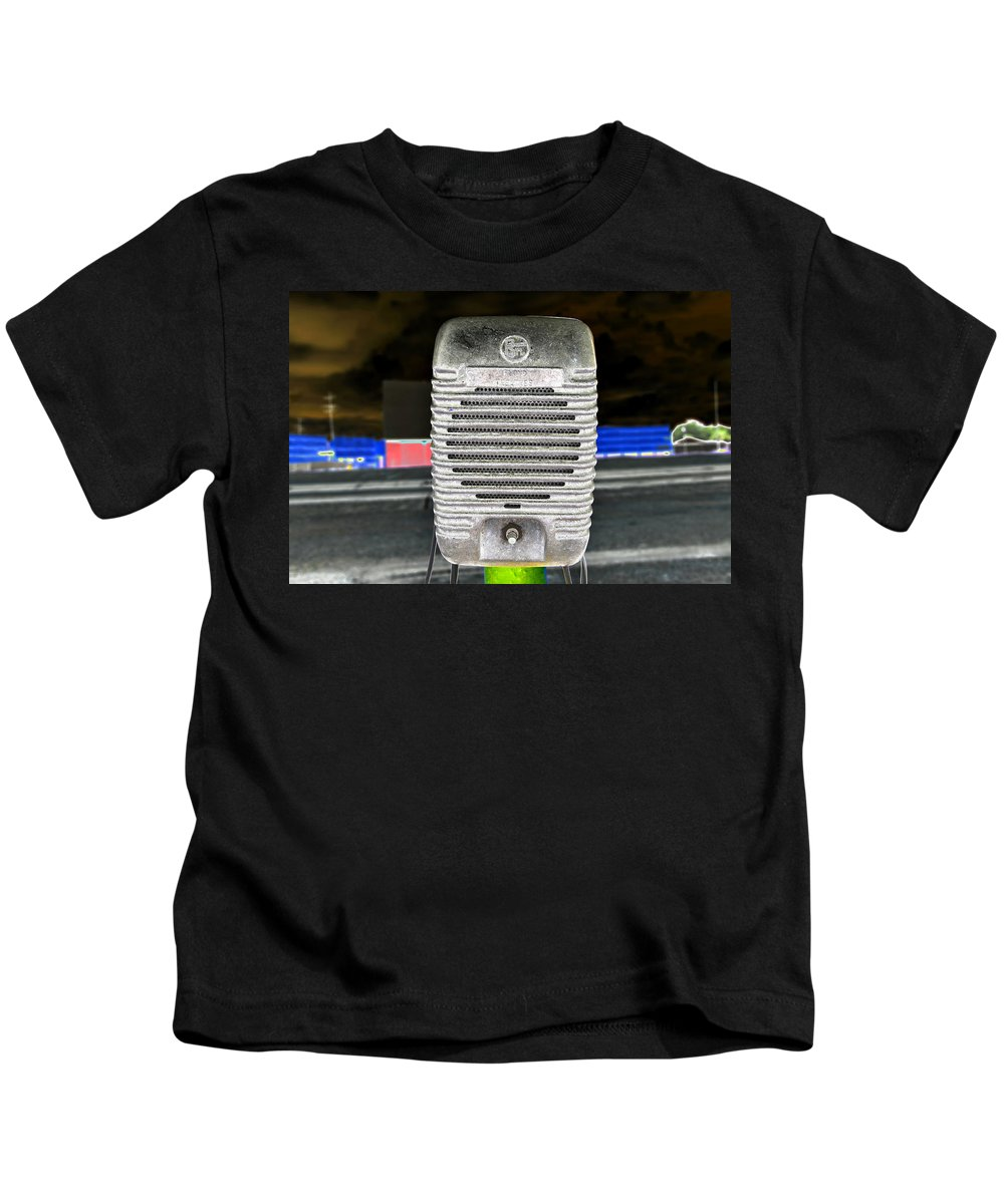 Extreme Photography Kids T-Shirt featuring the photograph Drive In Speaker by David Lee Thompson