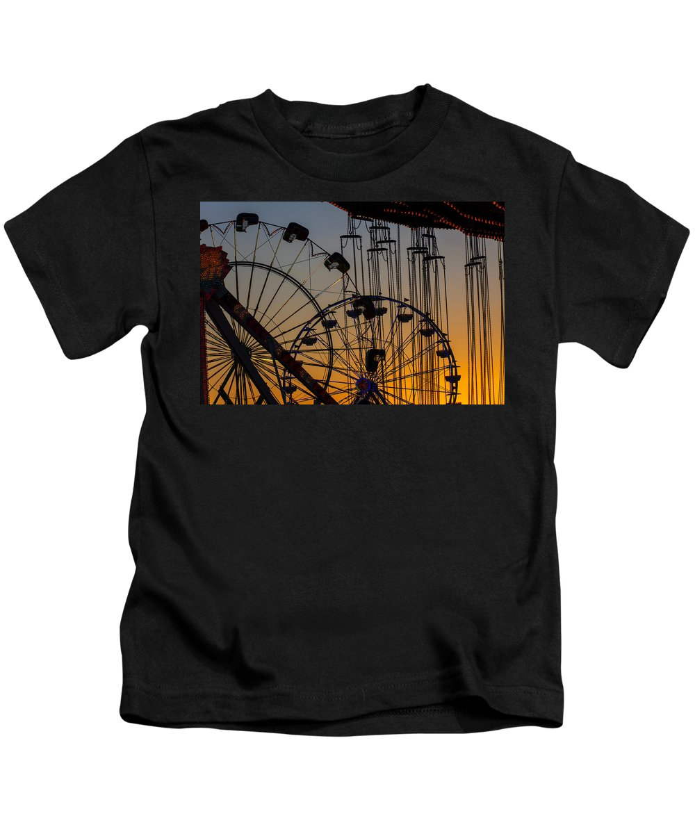 Ferris Wheels Kids T-Shirt featuring the photograph Ferris Wheels by Garry Gay