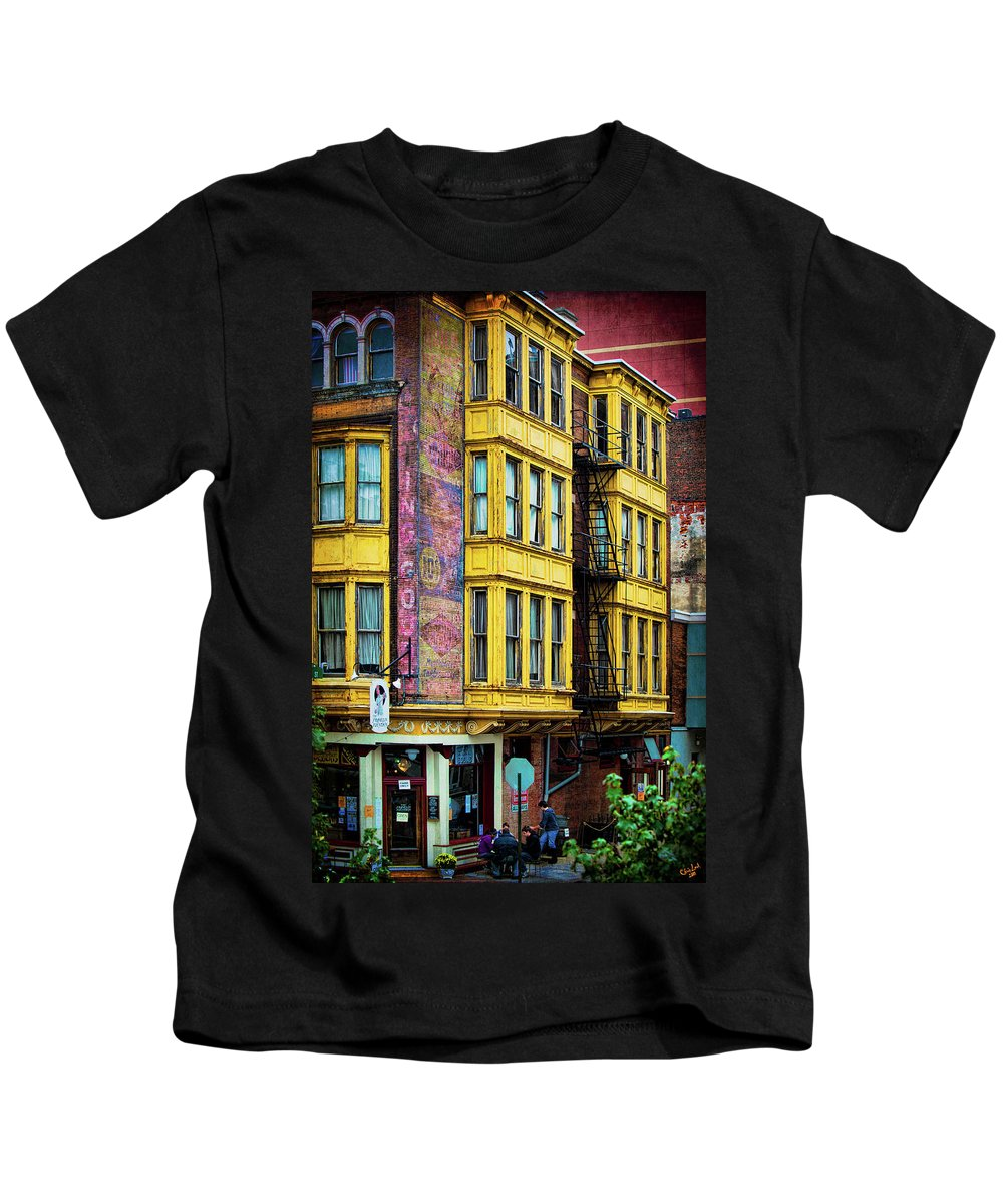 Soda Kids T-Shirt featuring the photograph Franklin Fountain by Chris Lord