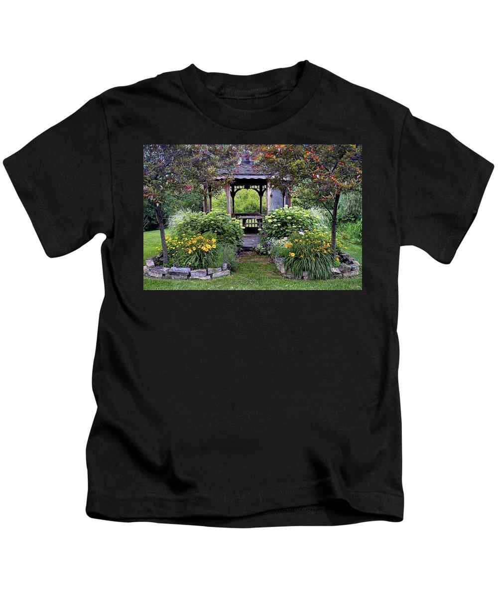 Gazebo Kids T-Shirt featuring the photograph Gazebo by Dave Mills
