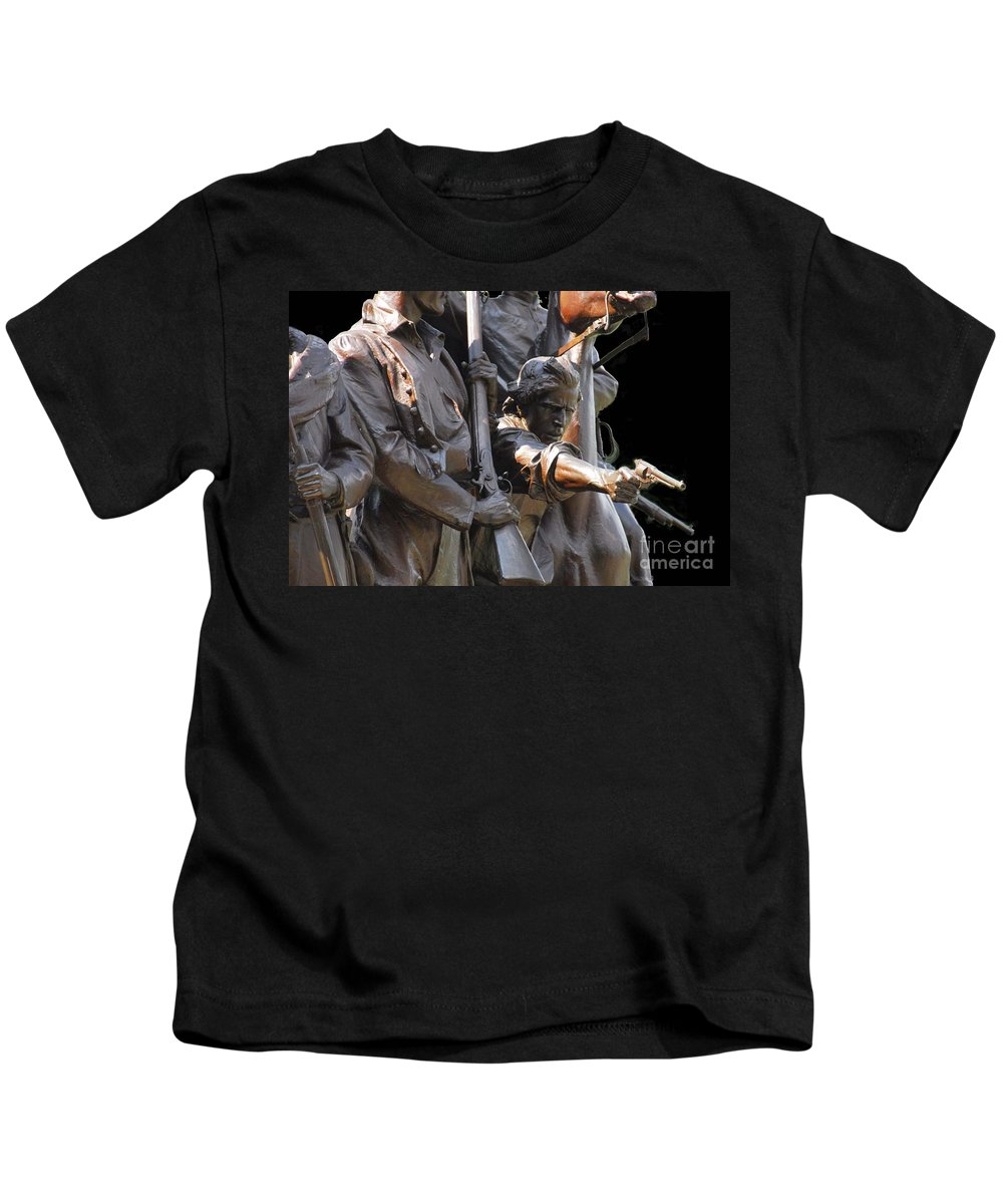 Civil War Kids T-Shirt featuring the photograph Gettysburg Monument by Cindy Manero