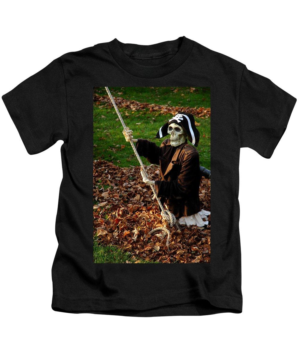 Usa Kids T-Shirt featuring the photograph Hoist The Sails by LeeAnn McLaneGoetz McLaneGoetzStudioLLCcom