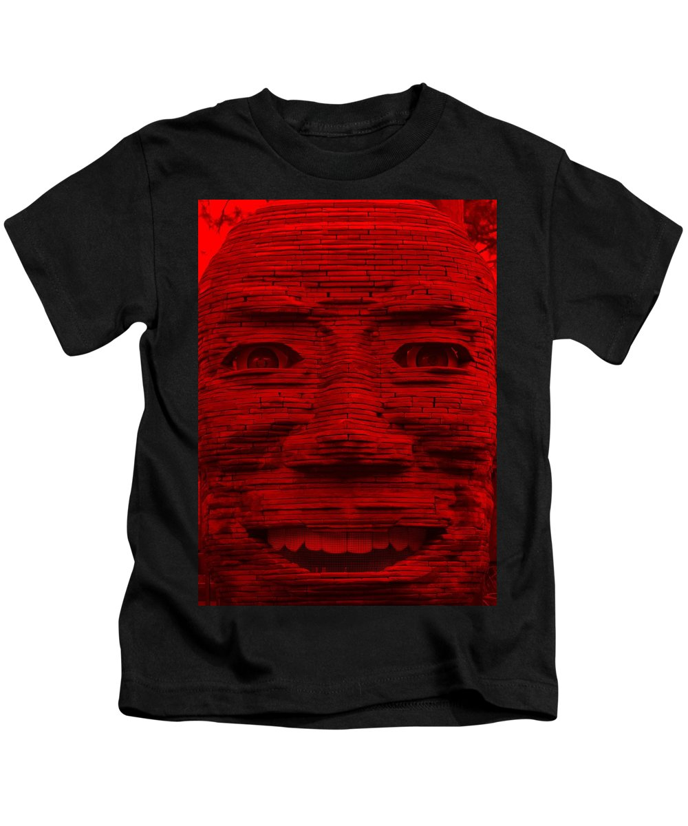 Architecture Kids T-Shirt featuring the photograph In Your Face In Red by Rob Hans