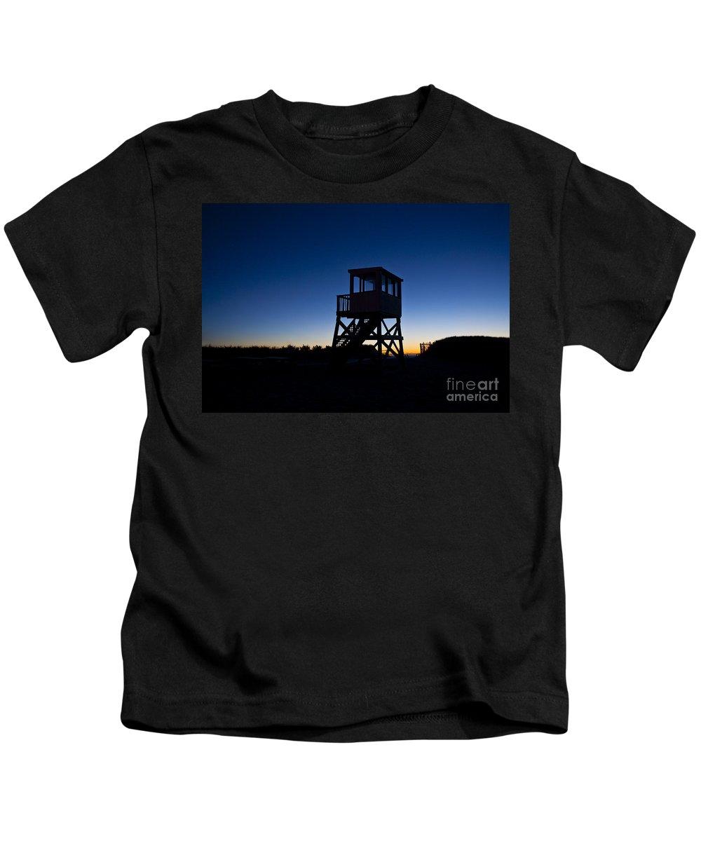 Atlantic Ocean Kids T-Shirt featuring the photograph Lifeguard Stand At Dawn by John Greim