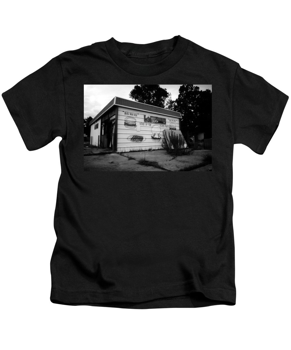 Louisiana Kids T-Shirt featuring the photograph Ma Deas Soul Food Grill by Doug Duffey
