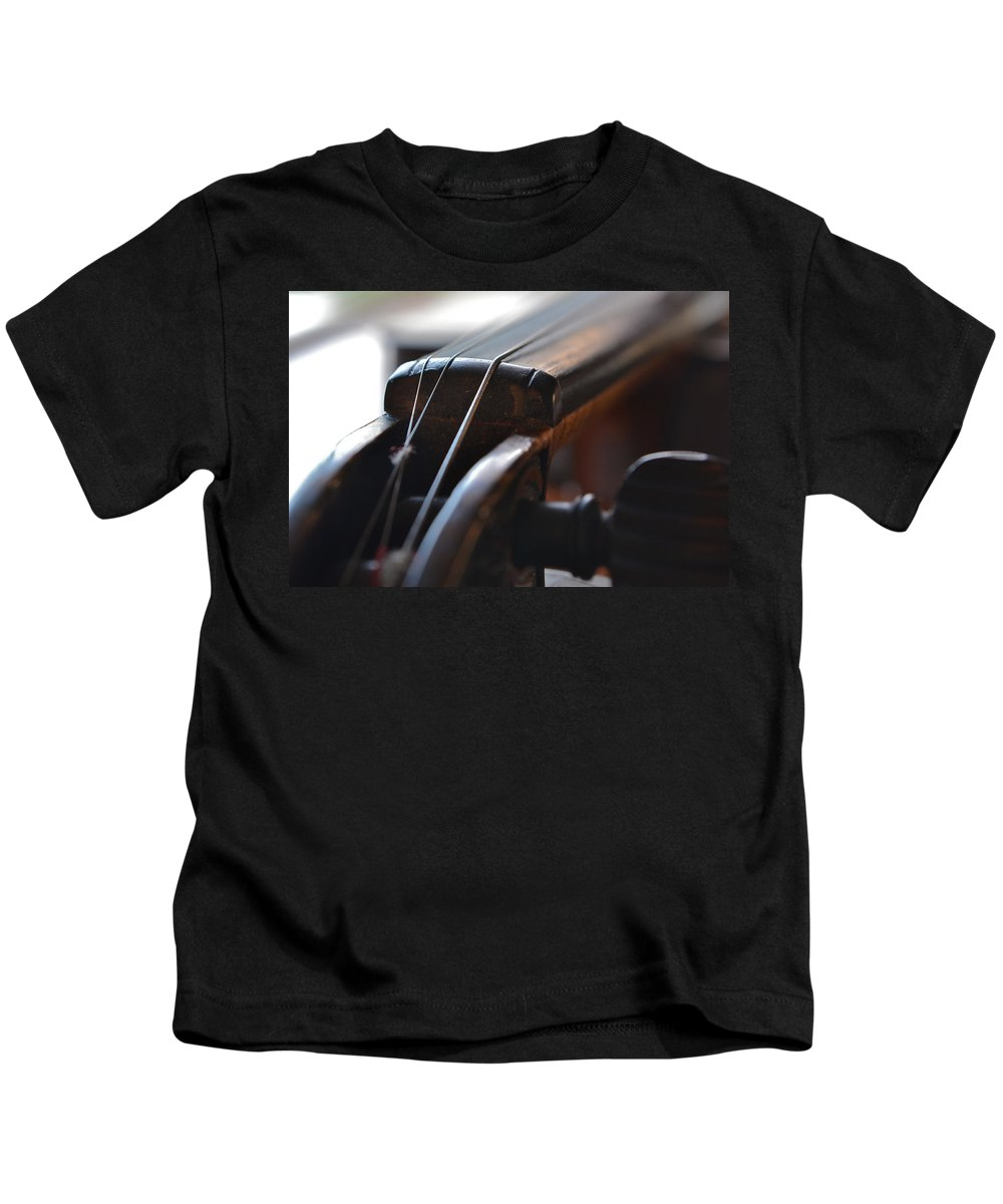 Fiddling Kids T-Shirt featuring the photograph Old Fiddle 2 by Bill Owen
