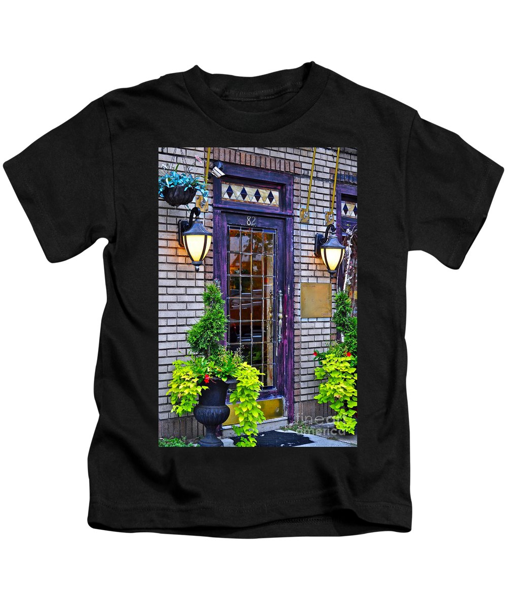 Psychic Kids T-Shirt featuring the photograph Psychic In Soho by Gwyn Newcombe