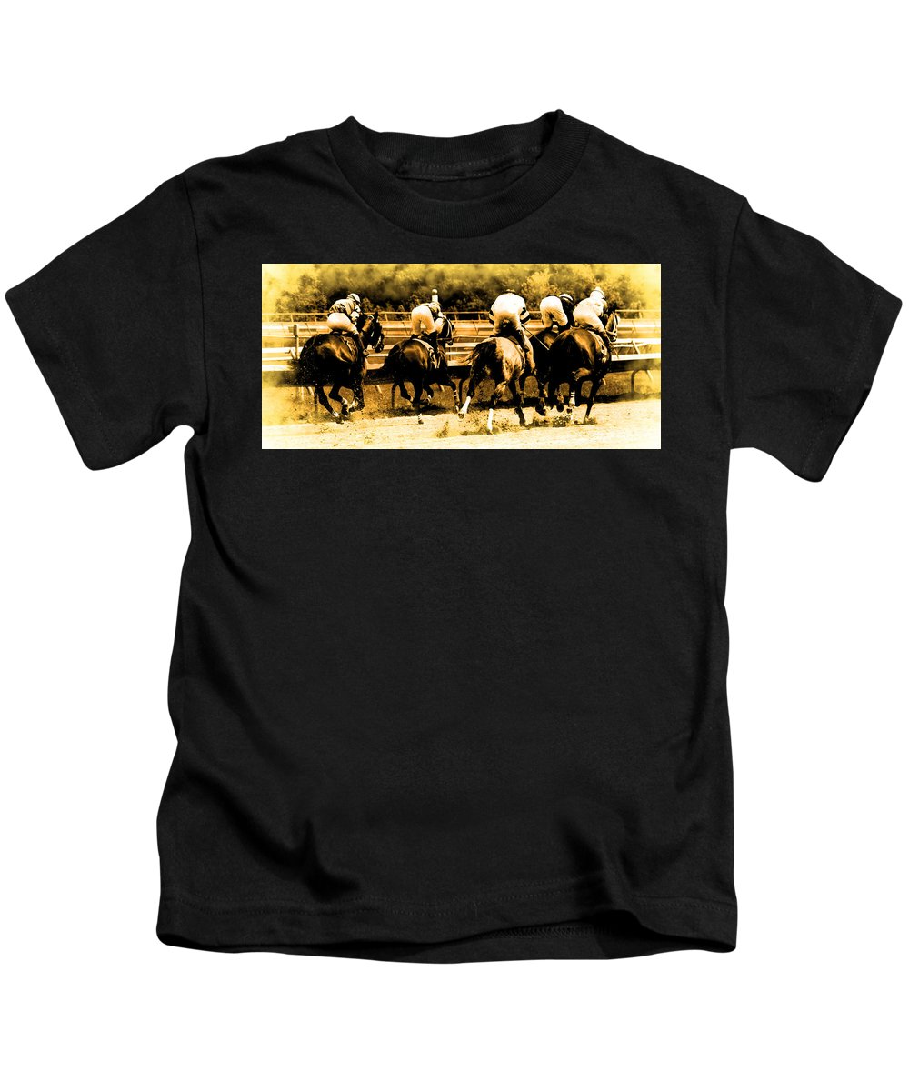 Jockeys Horses Racing Track Kids T-Shirt featuring the photograph Race To The Finish Line by Alice Gipson