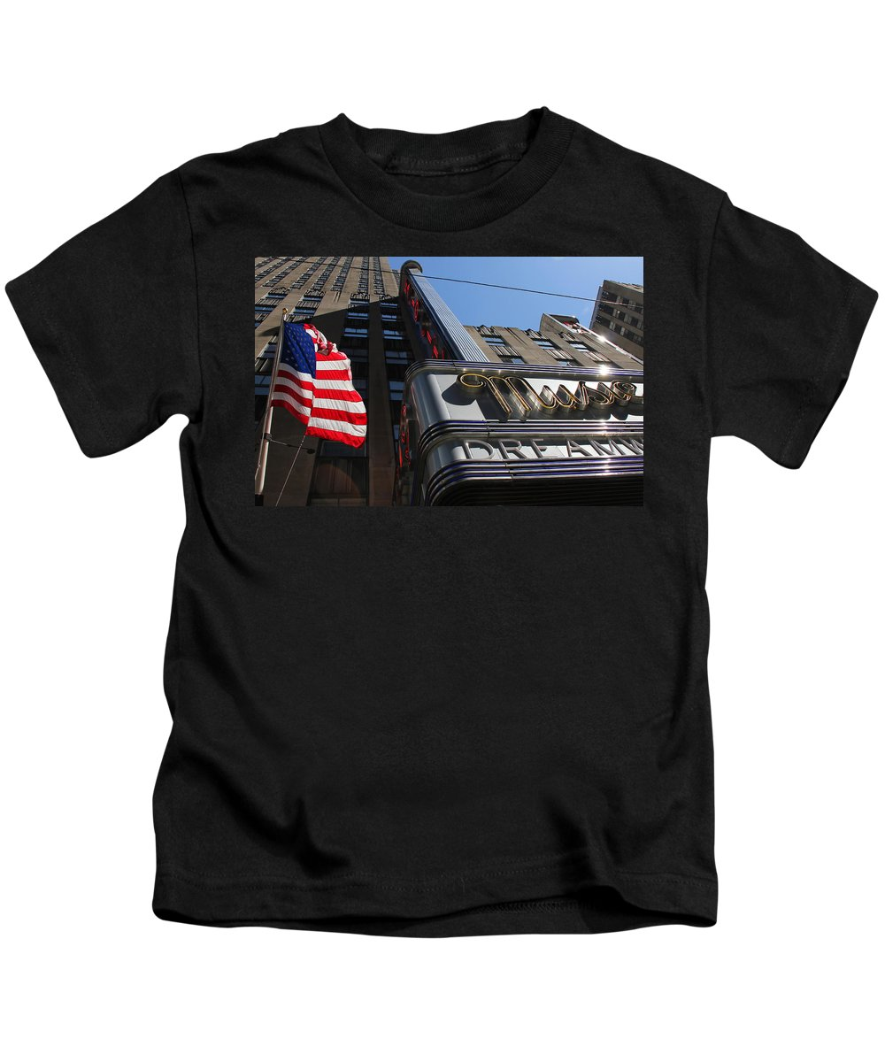 New York Kids T-Shirt featuring the photograph Radio City Music Hall 2 by Andrew Fare