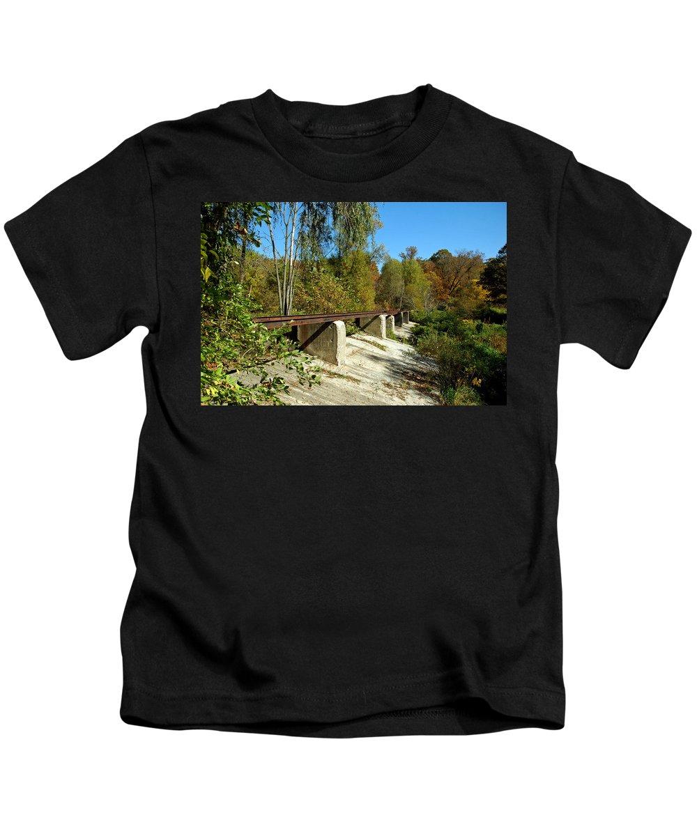 Usa Kids T-Shirt featuring the photograph Rails To The Past by LeeAnn McLaneGoetz McLaneGoetzStudioLLCcom