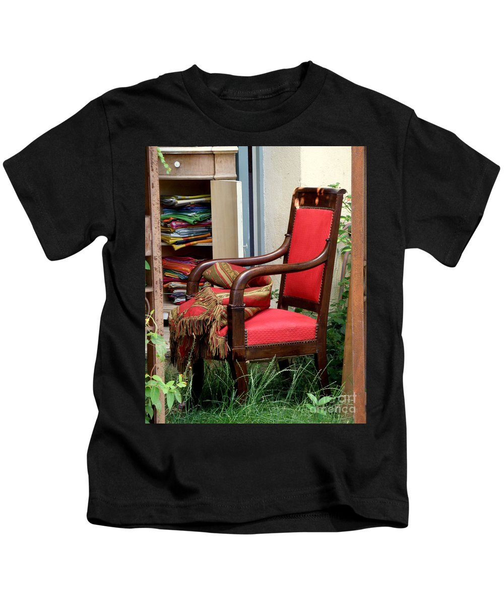 Chair Kids T-Shirt featuring the photograph Red Chair by Lainie Wrightson