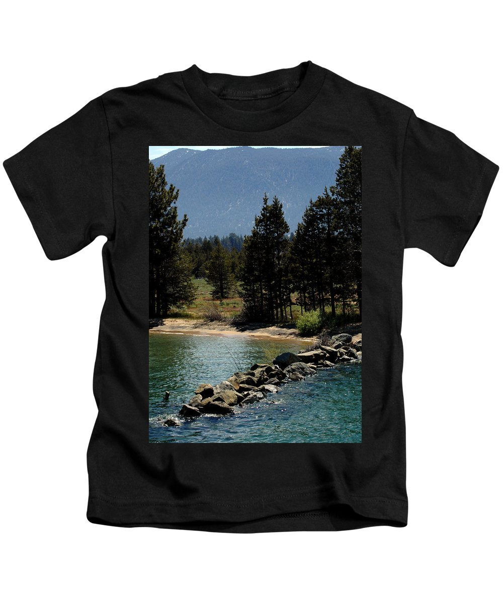 Usa Kids T-Shirt featuring the photograph Rocky Retaining Wall Lake Tahoe by LeeAnn McLaneGoetz McLaneGoetzStudioLLCcom