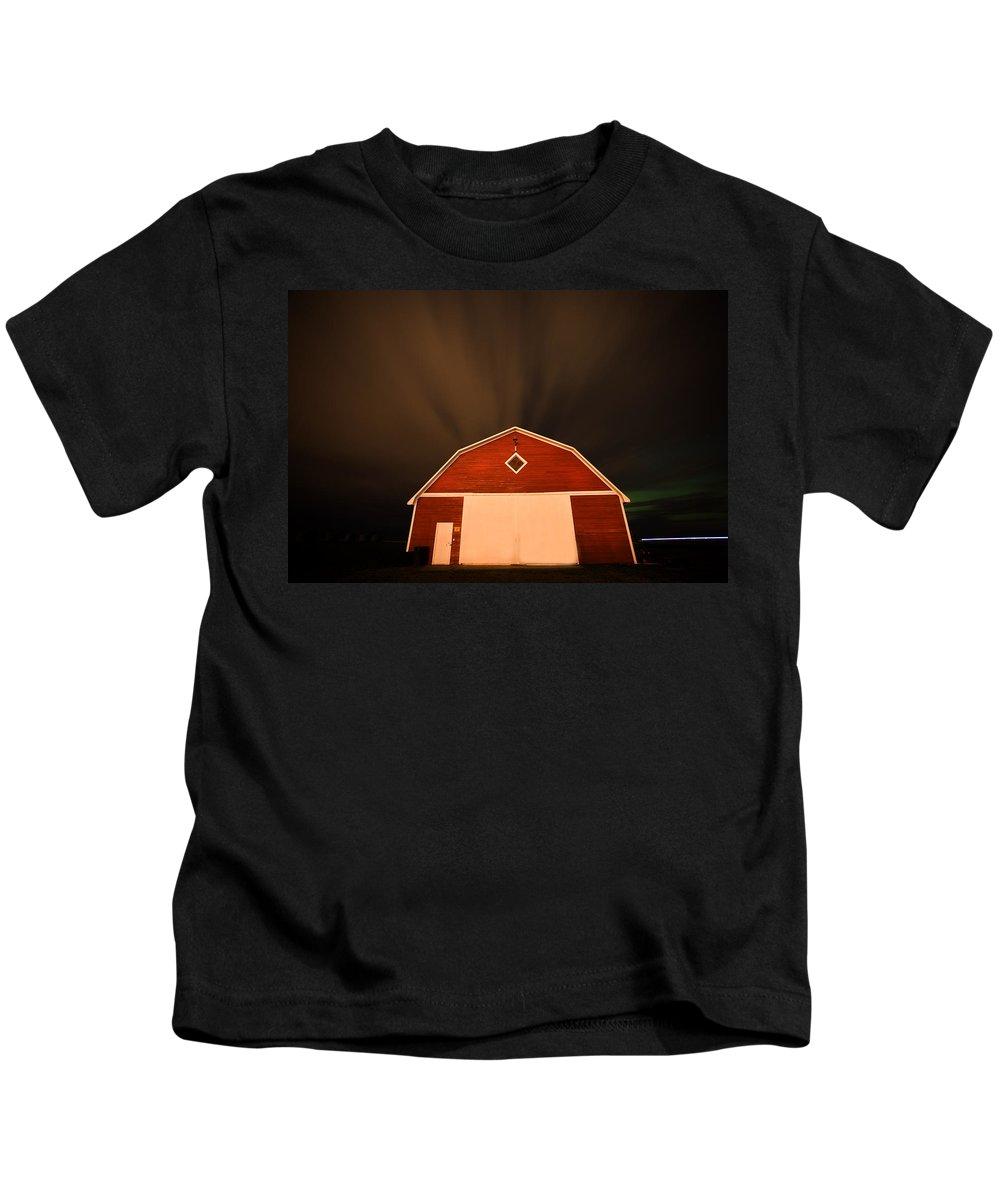 Rural Kids T-Shirt featuring the digital art Rural Barn Night Photograhy by Mark Duffy