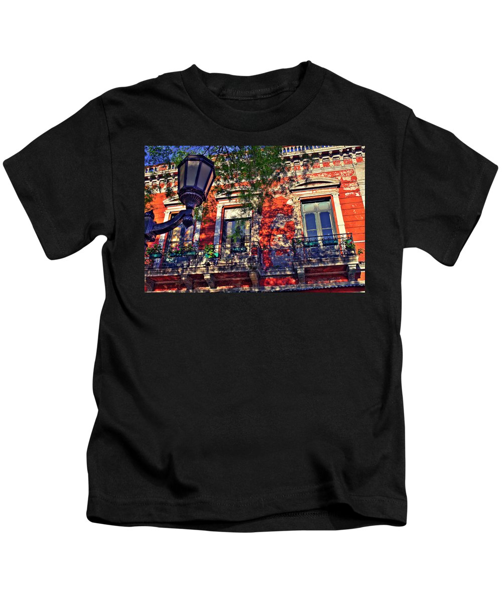 Wall Kids T-Shirt featuring the photograph Spring Wall by Francisco Colon