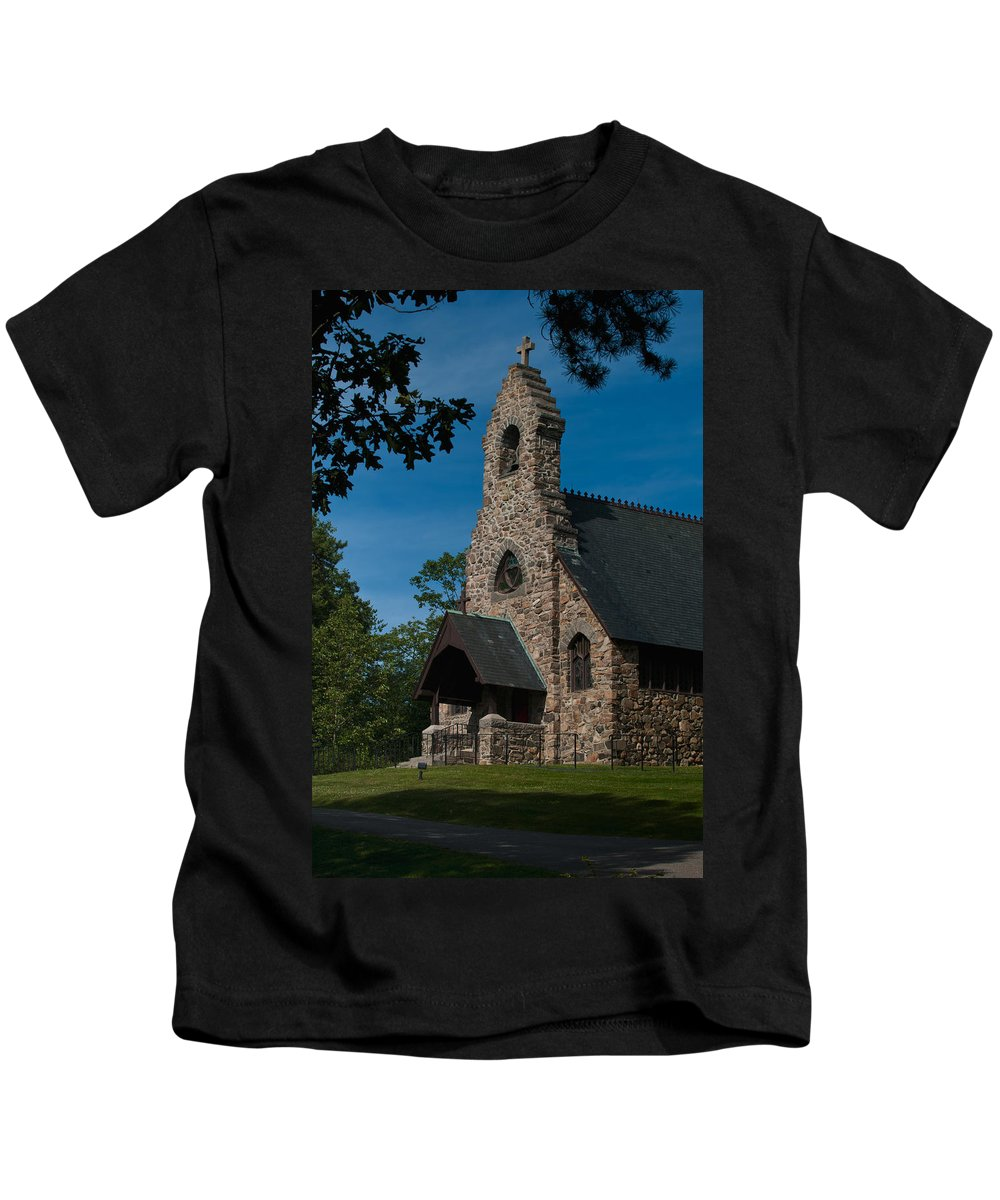 st. Peter's By-the-sea Protestant Episcopal Church Kids T-Shirt featuring the photograph St. Peter's By-the-sea Protestant Episcopal Church by Paul Mangold