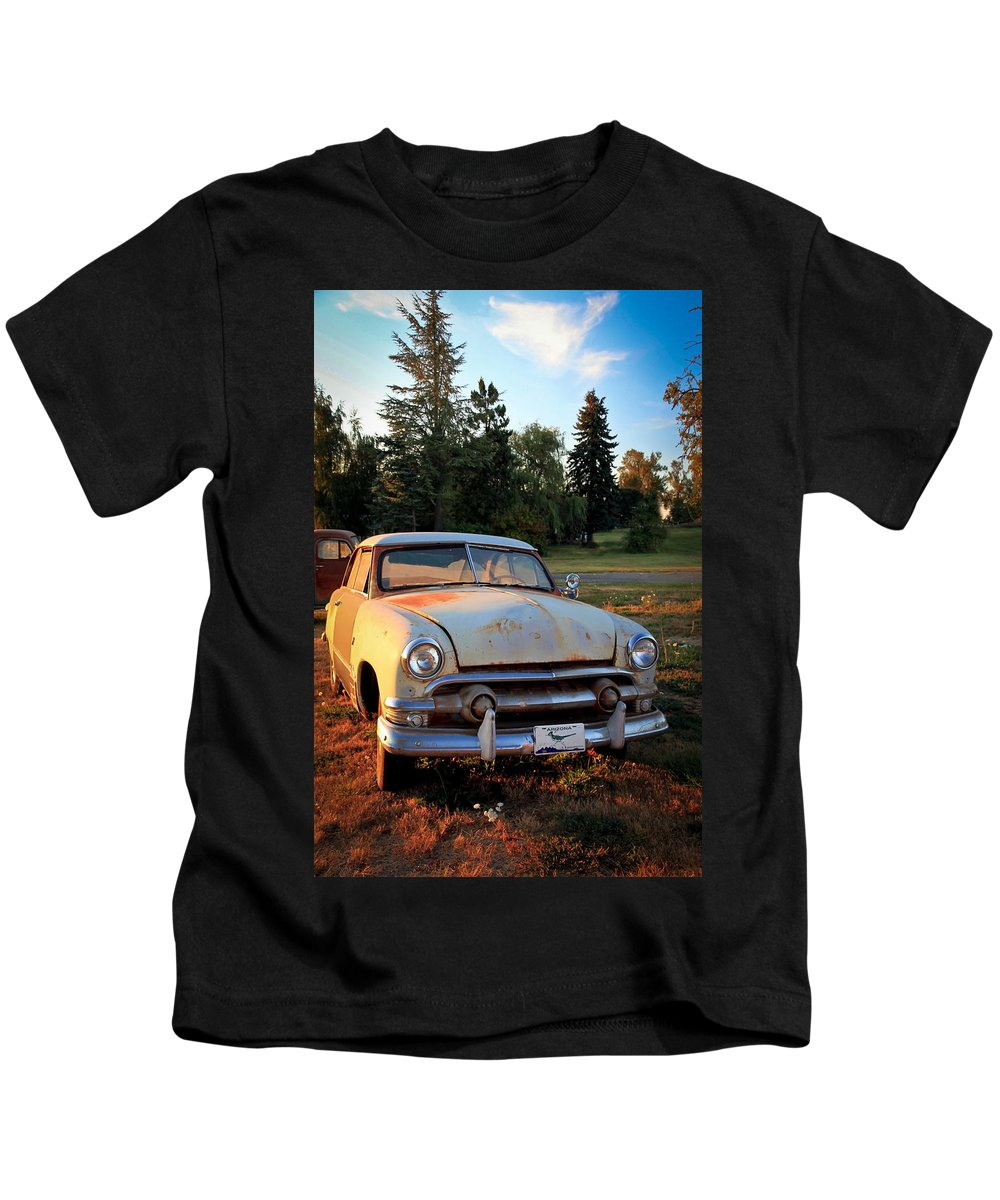 50 Chevy Kids T-Shirt featuring the photograph Sundown Chevy by Athena Mckinzie