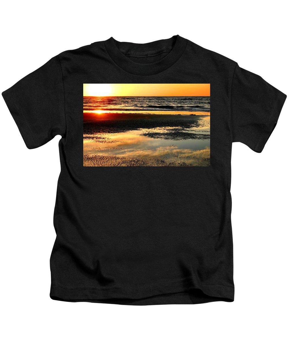 Sunrise Kids T-Shirt featuring the photograph Sunrise In Jekyll Island by Kristin Elmquist