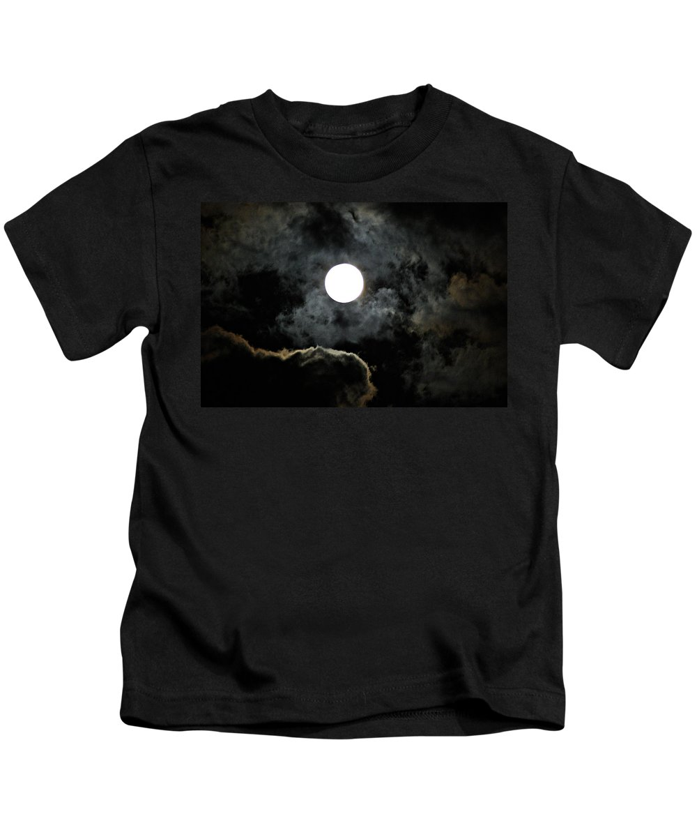 Super Kids T-Shirt featuring the photograph Super Moon II by Joe Faherty