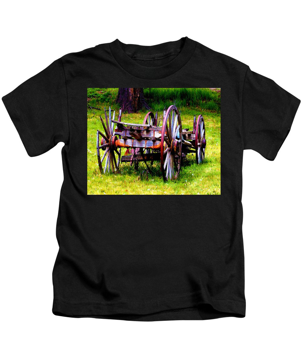Wagon Kids T-Shirt featuring the photograph The Wagon At El Prado by Terry Fiala