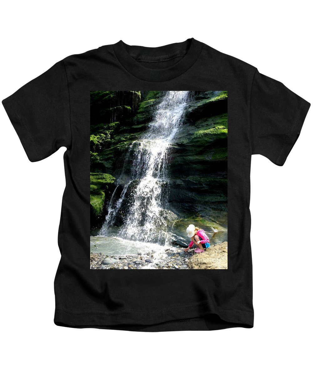Waterfall Kids T-Shirt featuring the photograph Tintagel Beach by Lainie Wrightson