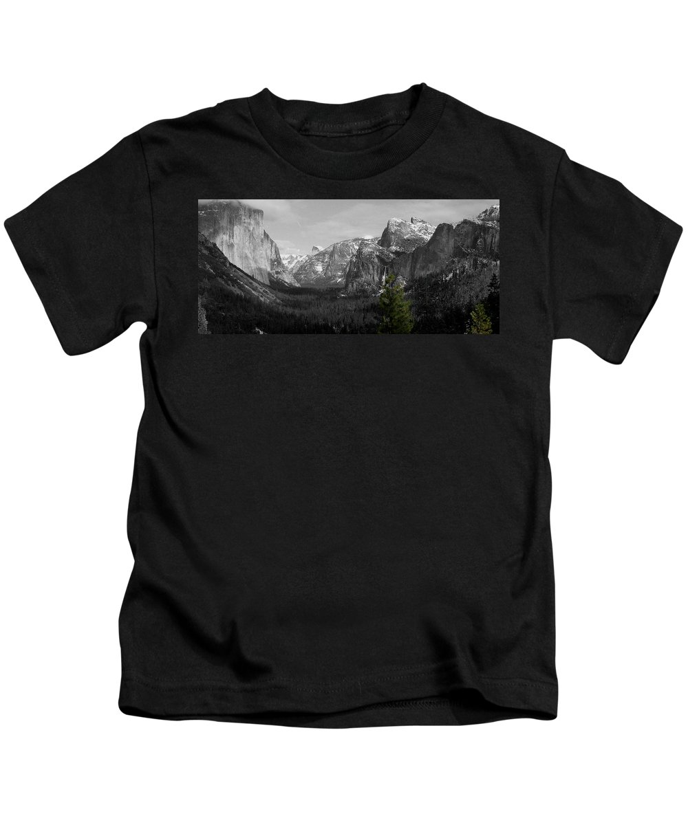 Selective Color Photograph Kids T-Shirt featuring the photograph Tunnel View Selective Color by Travis Day