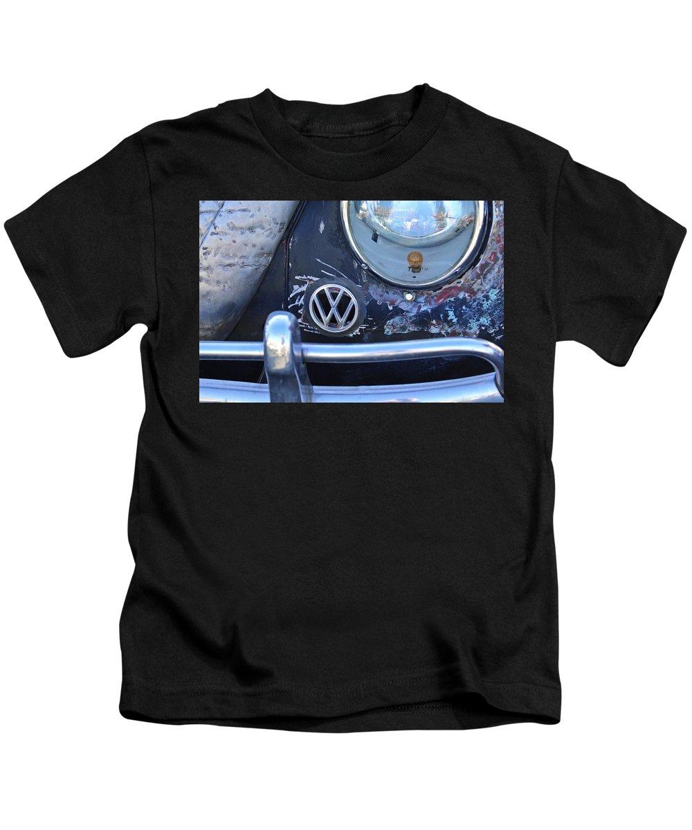 Volkswagen Vw Kids T-Shirt featuring the photograph Volkswagen Vw Emblem by Jill Reger