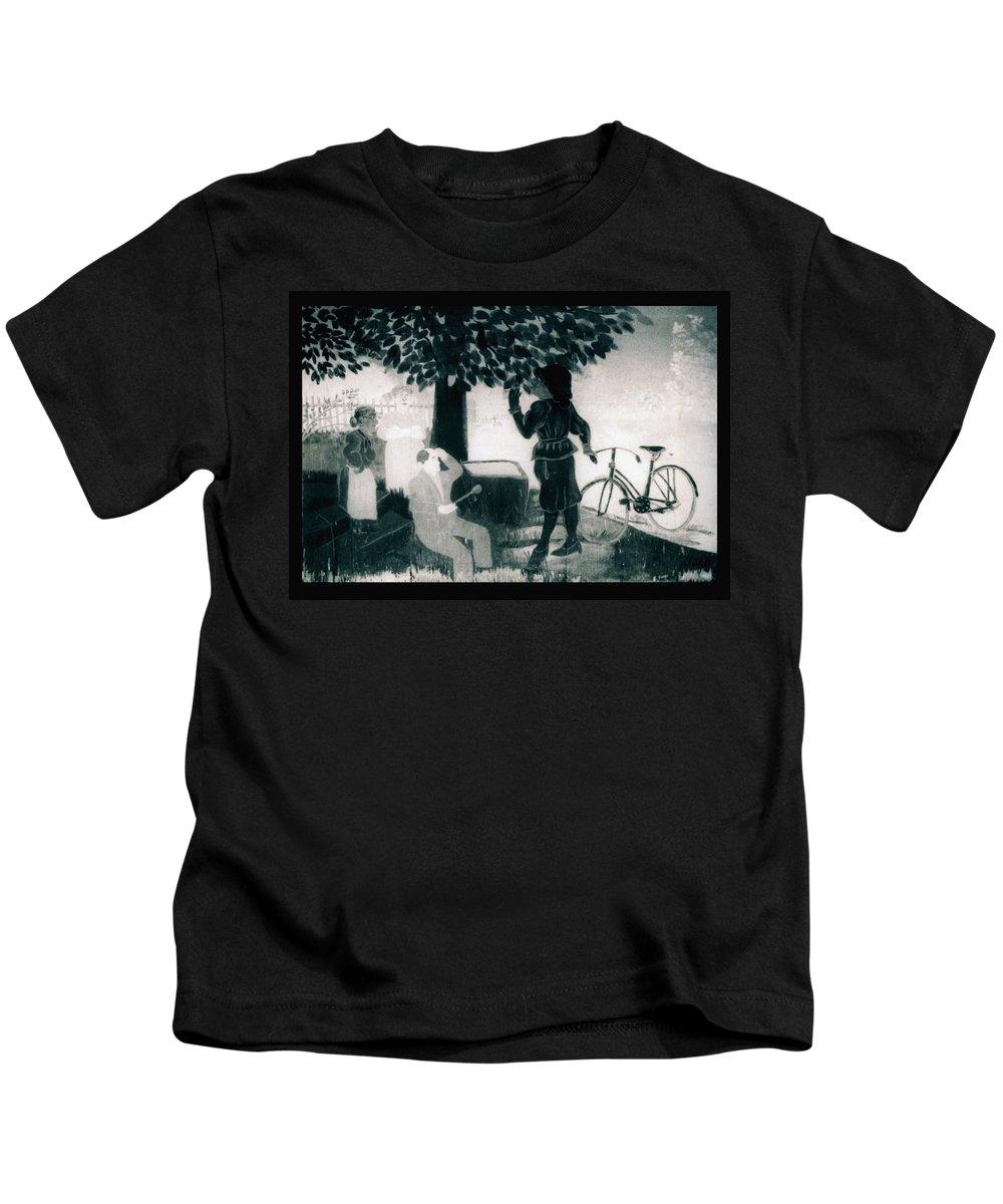 Louisiana Kids T-Shirt featuring the photograph Wall Mural by Doug Duffey