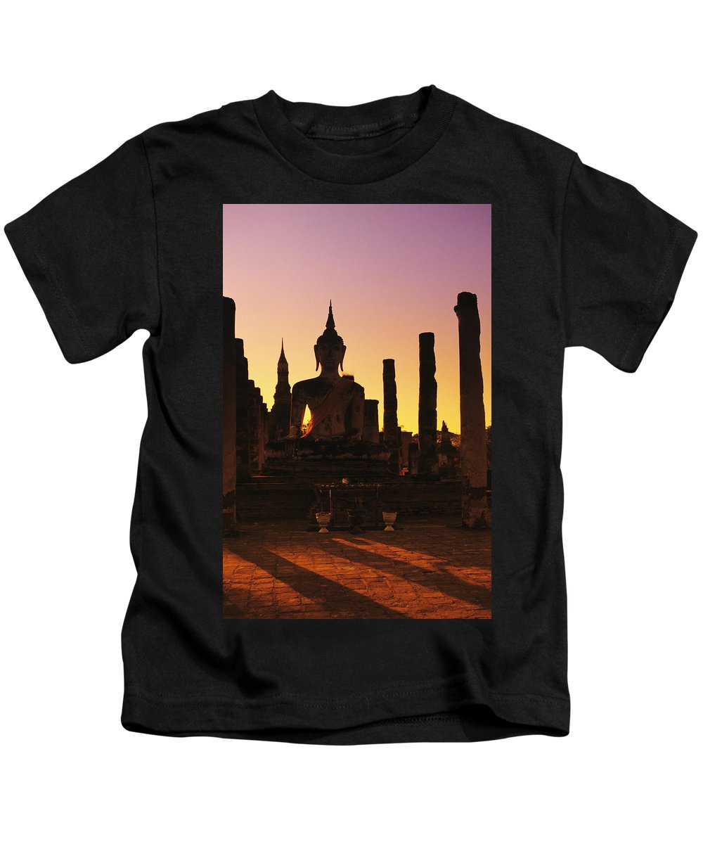 Age Kids T-Shirt featuring the photograph Wat Mahathat by Gloria and Richard Maschmeyer - Printscapes