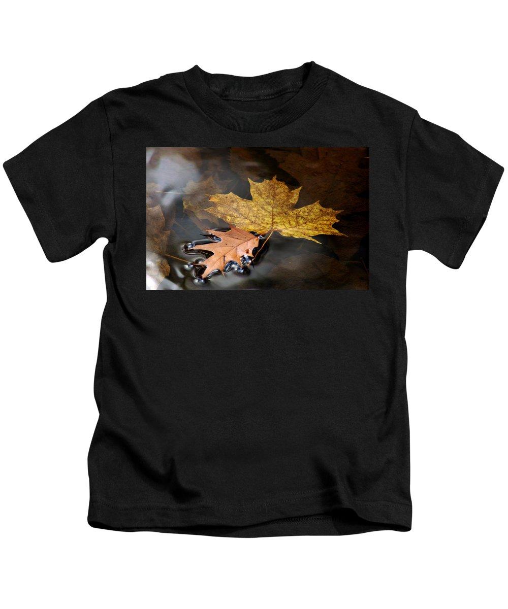 Usa Kids T-Shirt featuring the photograph Water Tension by LeeAnn McLaneGoetz McLaneGoetzStudioLLCcom